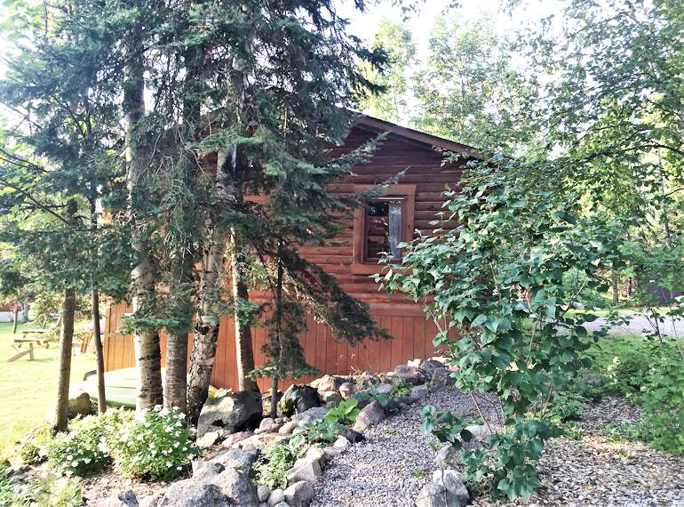 Basswood Log Cabin - Timber Trail Lodge and Resort